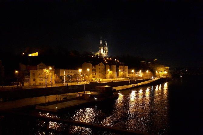 Prague Comfortable Private Tour by Limousine or Minivan