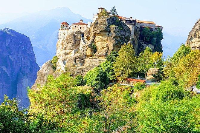 2-day Private Delphi and Meteora Tour (all inclusive)