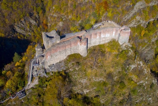 The real Dracula's Castle (Poenari Citadel) and his Palace of Targoviste, Privat
