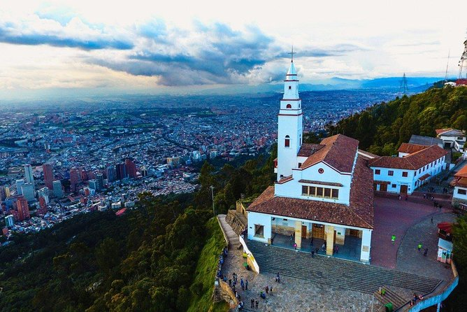 La Candelaria + Optional Monserrate + Optional Gold Museum Bogotá City Tour 5-7H