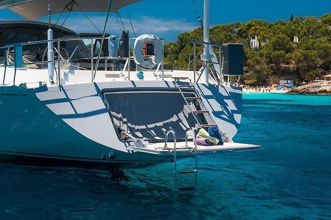 Sailing Yacht 3-Day Trip to Baru and Rosario Islands