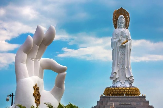 Sanya 3 Days Private Highlight Tour for Nanshan Temple and Luhuitou Park