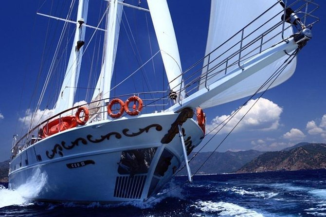 Hera 3 Bay Cruise including the Blue Lagoon 2020