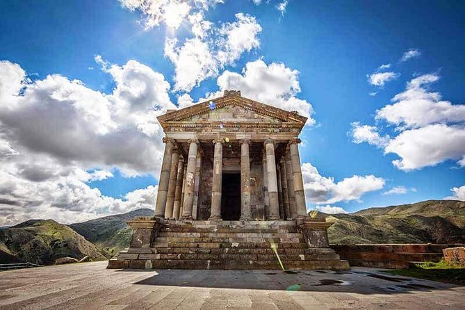 Group Tour: Garni Temple Geghard Monastery and Lavash Baking from Yerevan