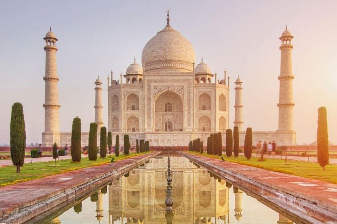 From Delhi : Private Taj Mahal & Agra Fort Tour by Car