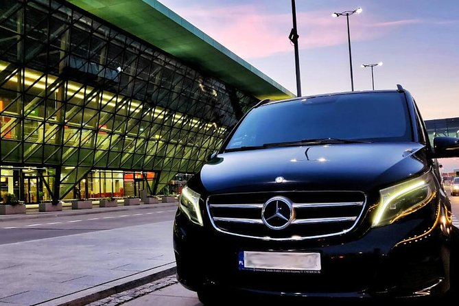KTW Katowice/Pyrzowice Airport: Private Transfer from Krakow