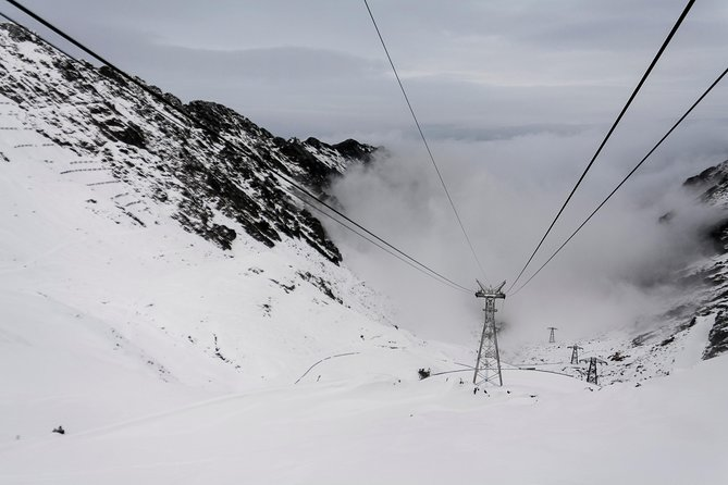 From Brasov: Transfagarasan road by cable car - winter day trip