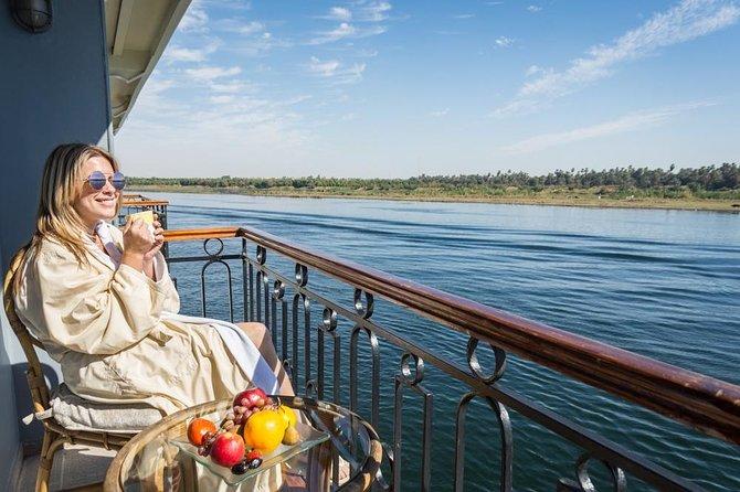 3 noites de cruzeiro em Aswan para Luxor, incluindo Abu Simbel, Nubian Village & Air Balloon