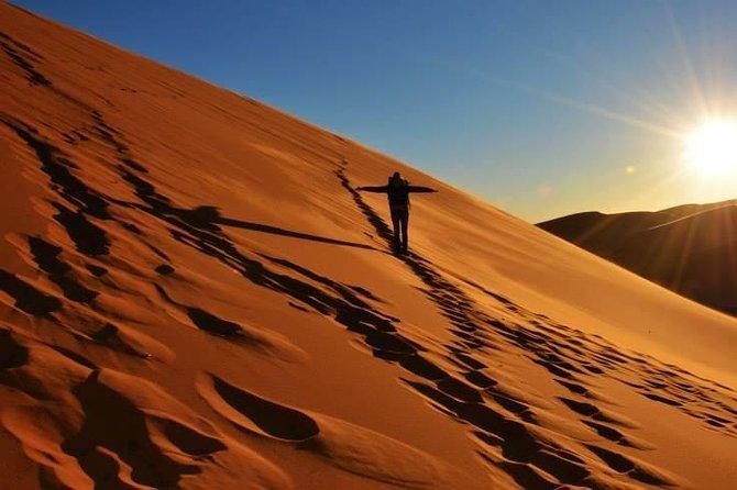 Sunset by 4x4 in Merzouga desert