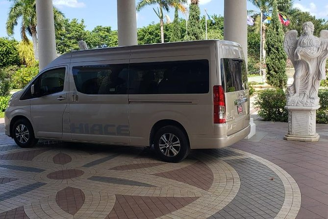 Kingston Airport Transfer to Rose Hall Resort and Spa photo 8