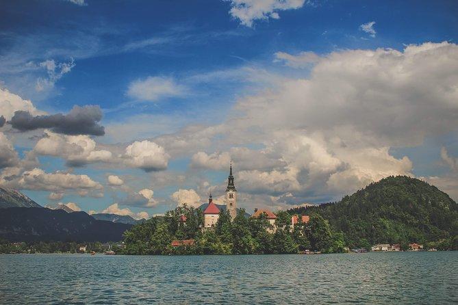 Slovenian Creamcake: Postojna & Bled full day sightseeing tour from Ljubljana