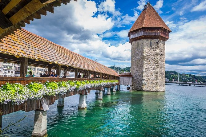 "Lucerne ""CH"" Experience: Cheese, Chocolate and Chapel Bridge"
