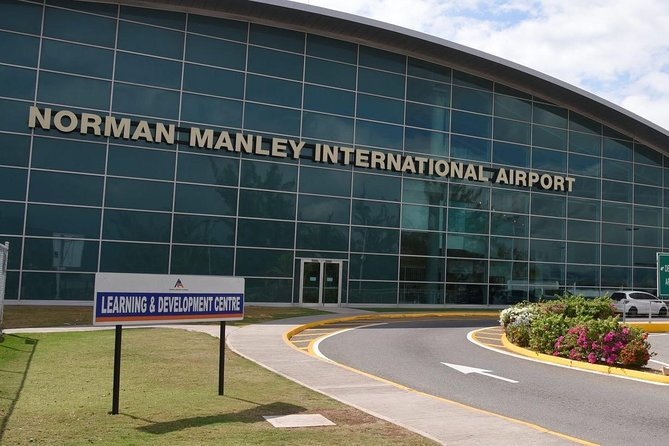 Group Private Kingston Airport Transfers (4 - 9 Persons)