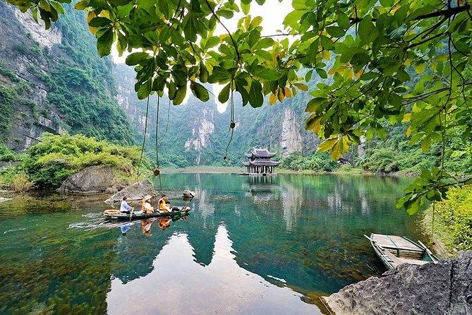 Ninh Binh- Bai Dinh-Trang An-Mua Cave 1 Day Tour ( Boat Trip-Hiking Mountain )