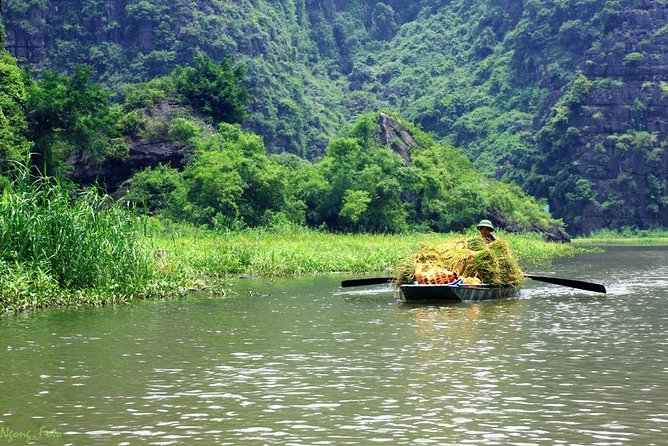 2 Day Tour: Cuc Phuong National Park Trekking, Trang An Boat, Mua Cave Hiking