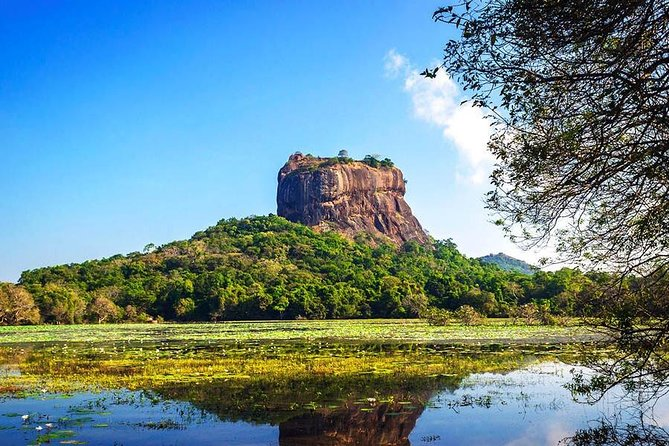 Sigiriya Day Tour and Safari from Colombo by Private Car or Van with Driver