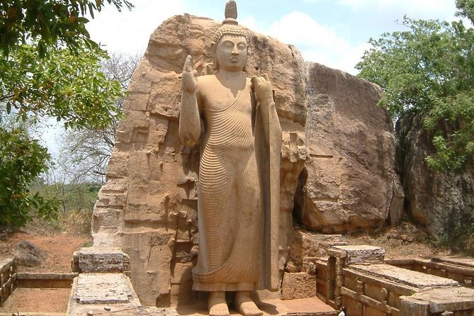 Private Tour to Anuradhapura, Polonnaruwa and Sigiriya (Cultural Triangle) photo 1