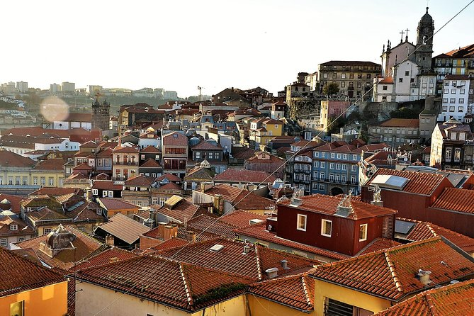 Gamified Discovery Walk in Porto's Old Town: alleys, views and tales