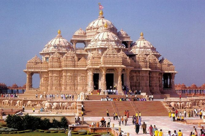 A Tour of the Religions of India - Hindu, Bahai, Islam, Sikh, Christianity