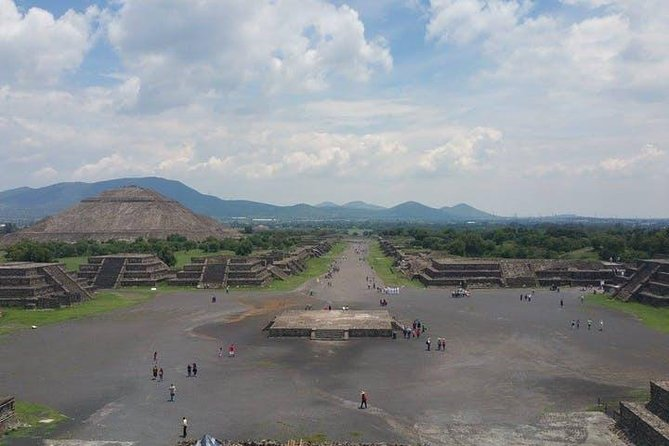 Tour Teotihuacan and Guadalupano Sanctuary