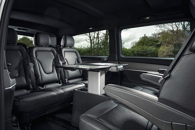 Departure Private Transfer: Copenhagen to Copenhagen Airport CPH in Luxuy Van