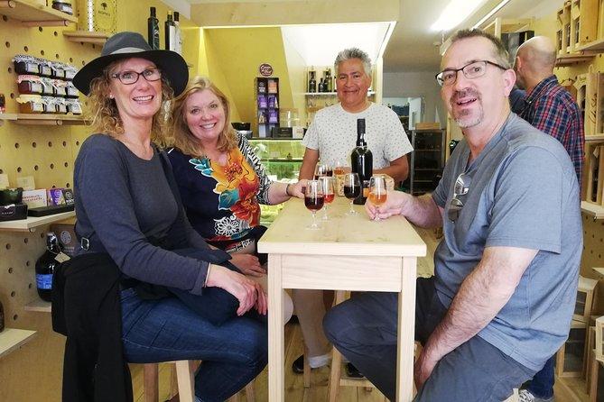 3 Wine Houses & 10 Wines + Tapas