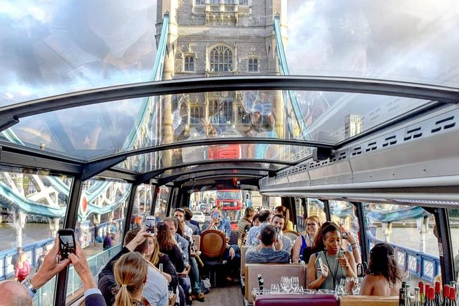 Luxury London bus tour with Gourmet Dinner and Panoramic View