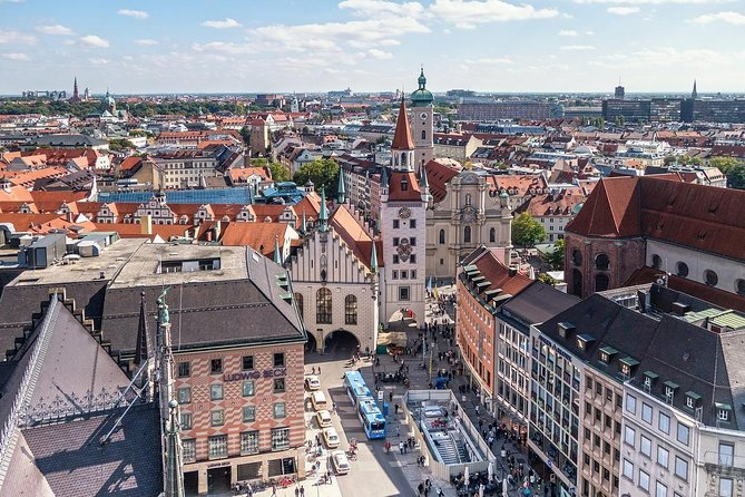 Vienna → Munich - 2h of Sightseeing - Comfortable Premium Car Private Transfer