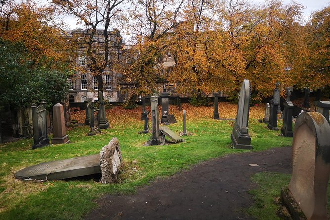 Gamified Discovery Walk in Edinburgh: An Obscure Adventure