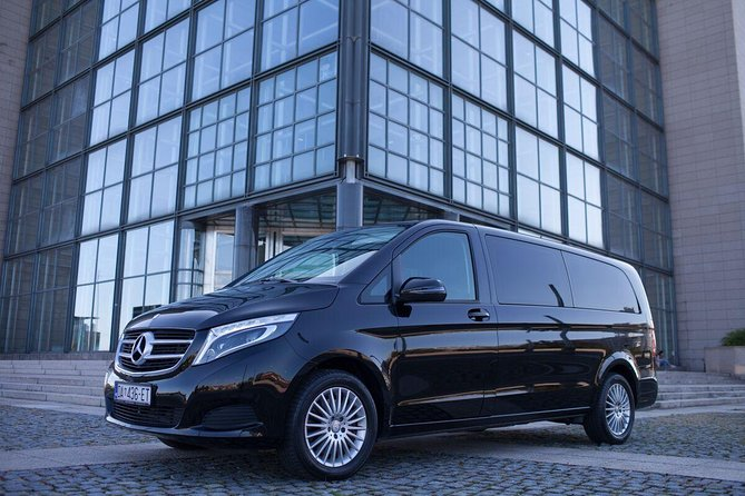 Luxury transfer Zagreb to Budapest with as many stops as you want on the way