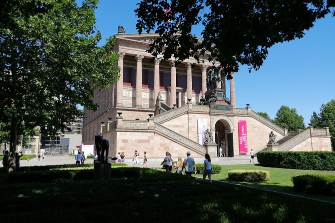 1-Hour Tour - Historic Highlights with Castle & Museum Island