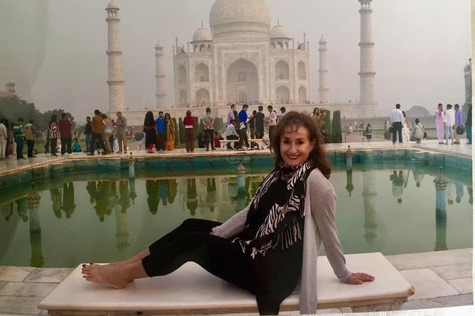 Day tour to Taj Mahal & Agra fort from Delhi,5 star hotel lunch included . photo 10