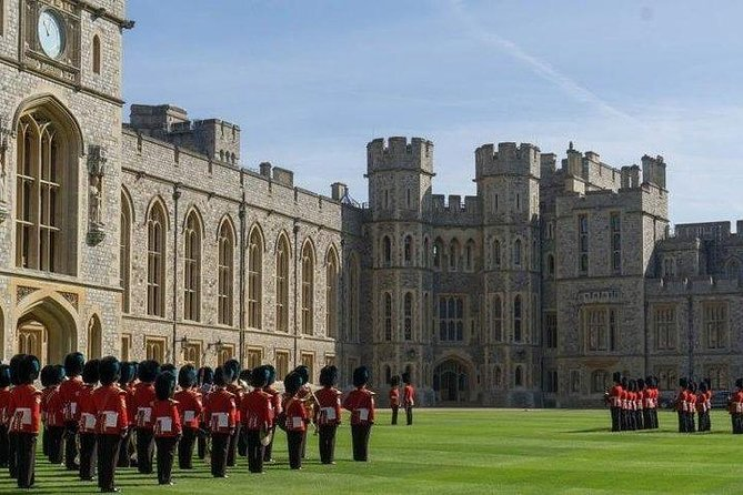 Privately Guided day trip by train from London to Windsor