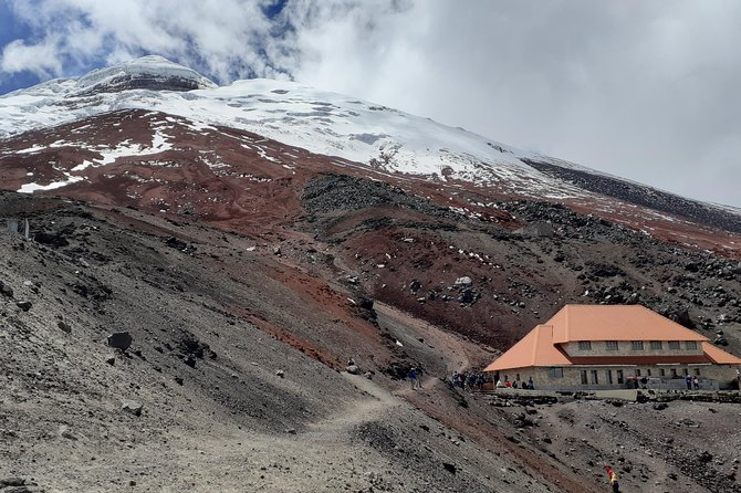2 day 1 night tour to Cotopaxi Volcano and Quilotoa Lagoon all included