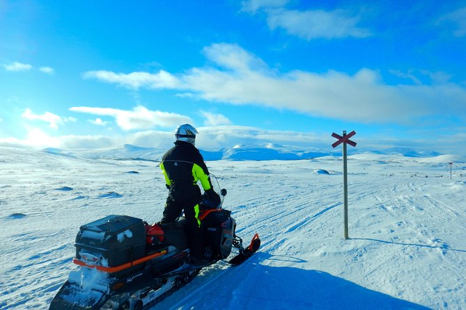 3-Day Snowmobile Expedition in Swedish Lapland