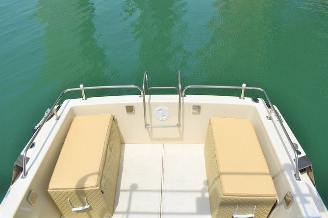 Centaurus Yachts & Boat Rental Tours Dubai Marina (33ft) photo 6