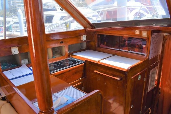 Centaurus Yachts & Boat Rental Tours Dubai Marina (33ft) photo 8