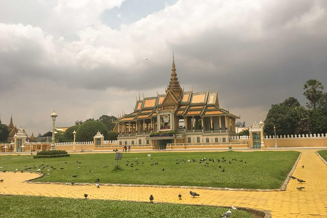 A Day Trip - Phnom Penh Historical Sites Sightseeing with Tour Guide