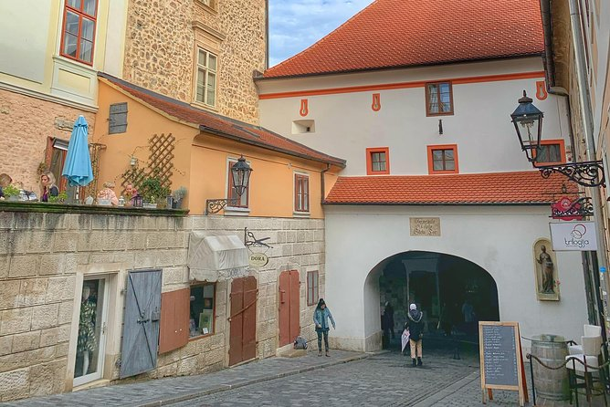 Meet and discover Zagreb - Private walking tour