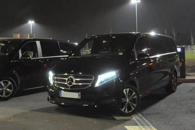 Paris all-day charter - luxury business Mercedes V 8