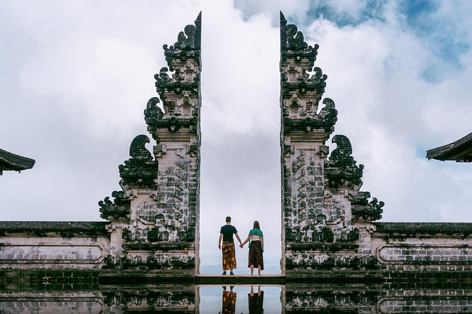 Bali Instagram: Gate of Heaven Temple Tour