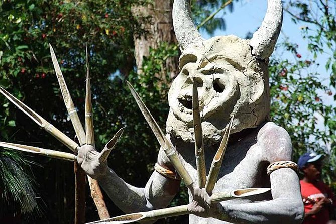 Private tour: Full day Goroka Experience with Asaro mud-men stop photo 1