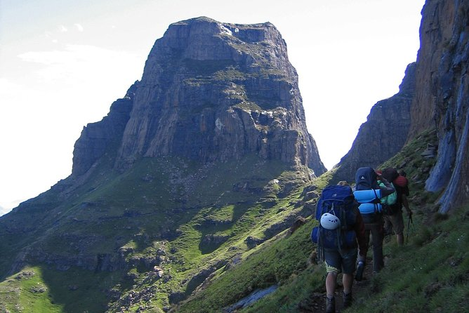 Drakensberg Amphitheater Day Hike - Tugela Falls and Chain Ladders - 8 hours