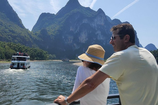 Full-Day Guilin Li-River Cruise with 3 star boat and Tea Plantation Private Tour