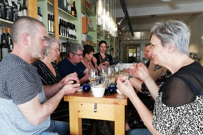 5 Food & Wine Houses Walking Tour