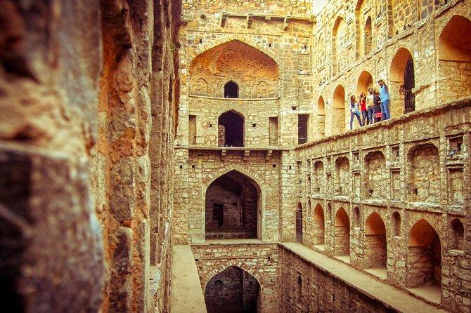 Half Day Delhi Walk Tour Includes Jantar Mantar, Agrasen Ki Baoli & Bangla Sahib
