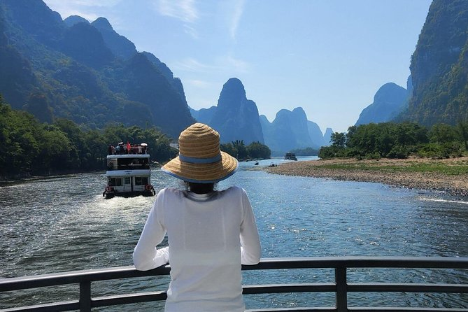 Full-Day Guilin Li-River Cruise with 4 star boat and Fisherman Sunset Show Tour photo 3
