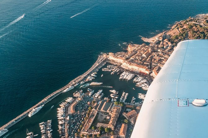 Fly above the French Riviera with a local pilot