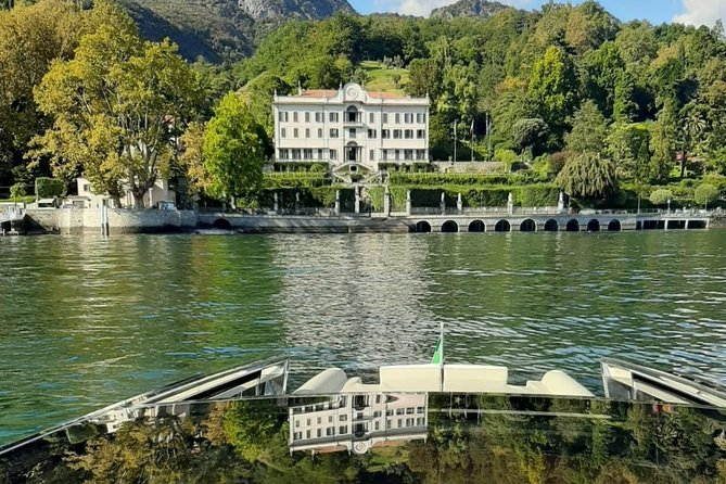 Best of Lake Como: guided visit to Villa Carlotta + 1 h private watertaxi cruise