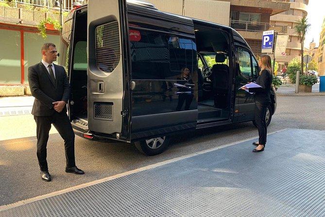 Departure Private Transfer Avignon City to Avignon Airport AVN by Luxury Minibus